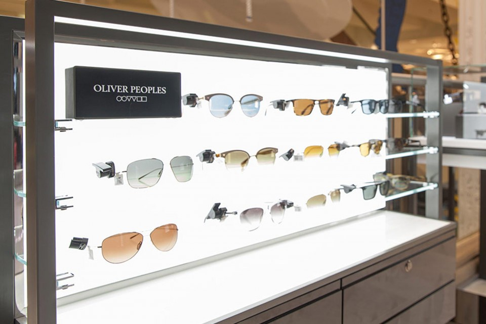LED backlit sunglasses display