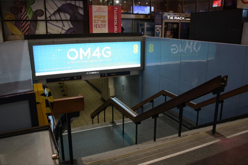 Illuminated rail advertising